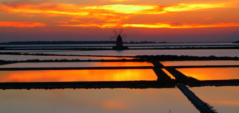 马尔萨纳盐湖